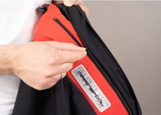 Giacca club e da vela altamente funzionale realizzata con un robusto materiale a 2 strati. La giacca CRUISING è realizzata in tessuto impermeabile e traspirante ed è inoltre rivestita con DWR. (Immagine 8 di 9)