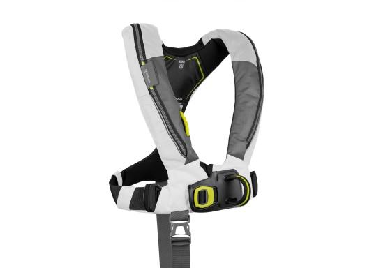 Die Automatik-Rettungsweste 6D von Spinlock kombiniert Komfort mit Funktionalität und ist optimal für den Langzeitgebrauch geeignet.Voll ausgestattet mit LED-Blitzlicht, Sprayhood, Schrittgurt, Signalflöte sowie D-Ring. Des Weiteren wird die Beweglichkeit dank der kompakten Beschaffenheit nicht eingeschränkt. Inklusive Harness Release System. Für Frauen und Männer ab 40 kg geeignet. Auftrieb: 170 N. (Bild 3 von 7)