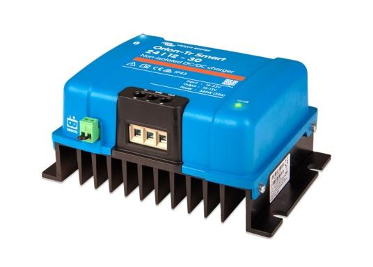 Il caricabatterie professionale ORION-TR SMART CC-CC di Victron è ideale per sistemi di batteria doppia in cui l'alternatore e la batteria di avviamento sono utilizzati per caricare la batteria di servizio. Il caricabatterie può essere monitorato, programmato e controllato viaBluetooth tramite un interruttore remoto.