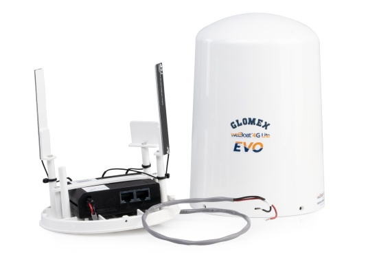 With the weBBoat® Lite EVO Wi-Fi antenna from Glomex, it is now even more affordable to surf the Internet. The weBBoat Lite EVO combines 4G, 3G and WiFi in one system. Easy to install and setup, with automatic switching between WLAN and mobile data usage. (Image 4 of 10)