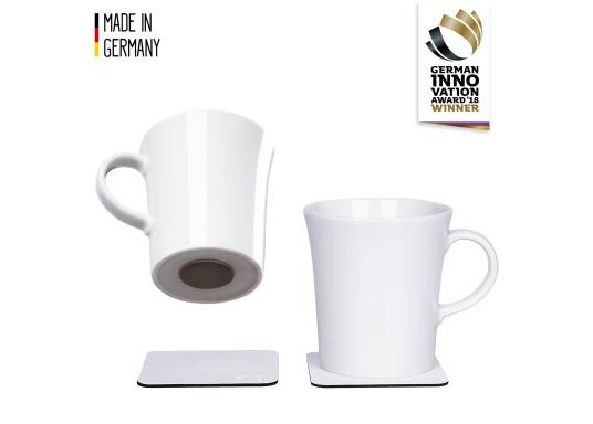 Set de 2 tasses en porcelaine magnétiques au design soigné, par Silwy. L'aimant intégré à la base assure la stabilité des verres, même lorsque le bateau gîte. Contenu de la livraison : 2 tasses en porcelaine, 0,27 L + 2 coussinets nano-gel blancs.