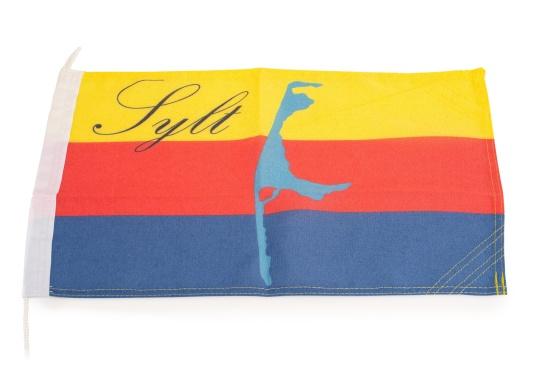 Robuste Nylon-Flaggen mit offiziellem Flaggen-Druck: Sylt. Hochwertige Verarbeitung mit 100%-Durchdruck, schnelle und einfache Befestigung.