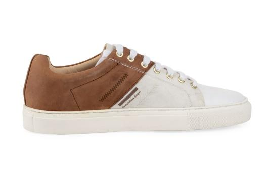Take a piece of sail with you at all times with the GENOA men's shoe from Blueport. The comfortable shoe is made from recycled canvas and leather. The soft neoprene lining ensures a comfortable fit. (Image 4 of 12)