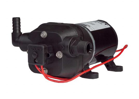 Leistungsfähige Pumpenserie. Die Pumpen sind mit einem 4-Kammer-Pumpsystem ausgestattet, selbstansaugend, trockenlaufsicher und mit einem Druckschalter versehen. Lieferbar in zwei Typen: mit12 l/min oder 17 l/min Förderleistung.