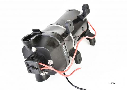 Leistungsfähige Pumpenserie. Die Pumpen sind mit einem 4-Kammer-Pumpsystem ausgestattet, selbstansaugend, trockenlaufsicher und mit einem Druckschalter versehen. Lieferbar in zwei Typen: mit12 l/min oder 17 l/min Förderleistung. (Bild 3 von 3)