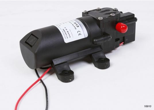 Hohe Lebensdauer! Leistungsfähige Druckwasserpumpe in Marineausführung mit Beschlägen und Metallteilen aus Edelstahl.  (Bild 5 von 6)