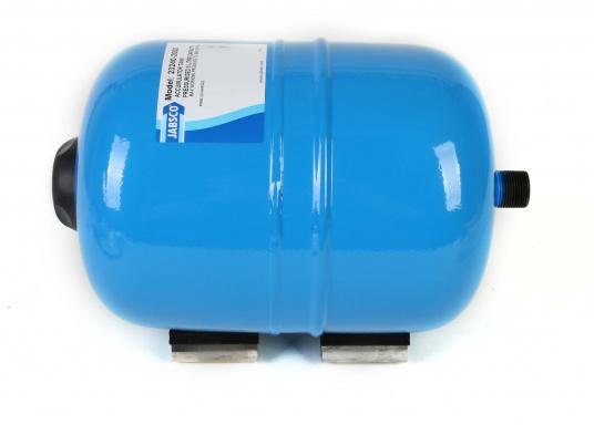 Dieser Metalldruckausgleichstank sorgt zuverlässig für eine gleichmäßige Wasserentnahme ohne pulsierende Druckschwankungen– so werden Wasserpumpe und Batteriekapazität geschont. Montage in beliebiger Position möglich. (Bild 4 von 6)
