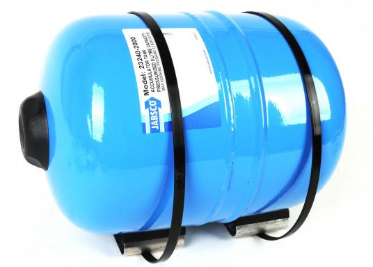Dieser Metalldruckausgleichstank sorgt zuverlässig für eine gleichmäßige Wasserentnahme ohne pulsierende Druckschwankungen– so werden Wasserpumpe und Batteriekapazität geschont. Montage in beliebiger Position möglich. (Bild 5 von 6)