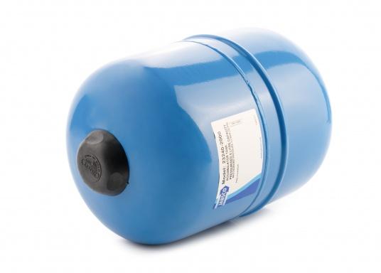 Dieser Metalldruckausgleichstank sorgt zuverlässig für eine gleichmäßige Wasserentnahme ohne pulsierende Druckschwankungen– so werden Wasserpumpe und Batteriekapazität geschont. Montage in beliebiger Position möglich. (Bild 2 von 6)