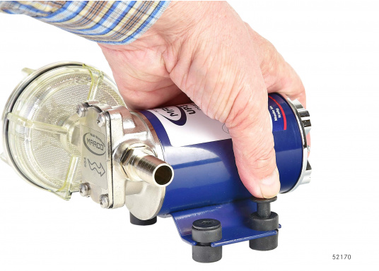 Selbstansaugende Zahnradpumpe zum Umpumpen von Petroleum, Frostschutz, Diesel und Heizöl etc. Ideal für die Verwendung auf Schiffen und für viele andere Einsatzmöglichkeiten.  (Bild 2 von 9)