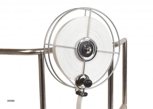 Sehr stabile Gurtbandspule für den Heck-Anker. Lieferung inklusive Halter, Führungsrolle und Gurtband (30 m oder 50 m). Alle Rollen sind mit einer Reibungsbremse versehen, die freies Abspulen verhindert.