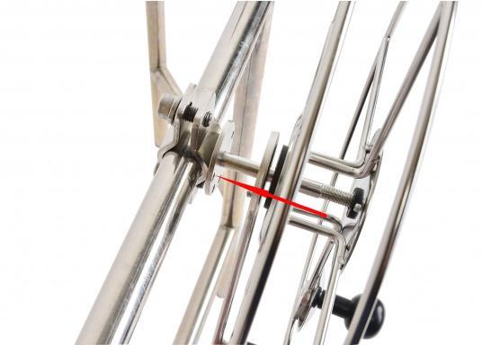 Sehr stabile Gurtbandspule für den Heck-Anker. Lieferung inklusive Halter, Führungsrolle und Gurtband (30 m oder 50 m). Alle Rollen sind mit einer Reibungsbremse versehen, die freies Abspulen verhindert.  (Bild 8 von 9)