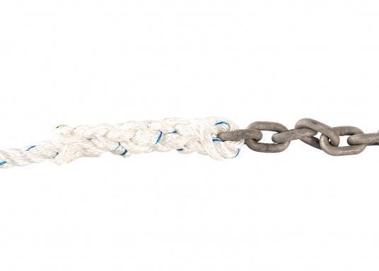 3-schäftig, gedrehtes Polyesterseil mit angespleißtem Kettenvorlauf. Diese Ankerleine eignet sich besonders für den Zweitanker und für Ankerwinden mit kombinierter Tau-/Kettennuss.  (Bild 2 von 2)