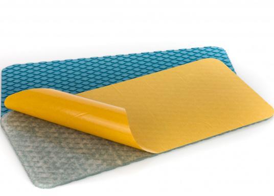 Antirutsch-Pads mit Rombenstruktur und praktischer, selbstklebender Beschichtung auf der Rückseite.Lieferbar in der Farbe:blau, jeweils in verschiedenen Größen. Packungsinhalt: 2 Pads.  (Bild 5 von 6)