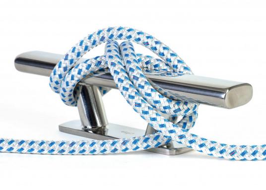 Amarre ayant la meilleure maniabilité et la plus haute performance. BAVARIA est une amarre en polyester double tresse. Particulièrement maniable et résistante aux intempéries et à l'abrasion.