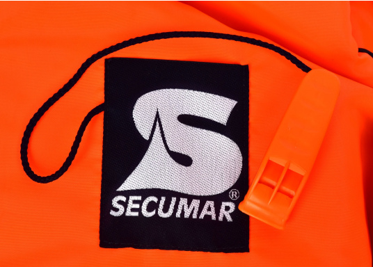 Gilet de sauvetage de qualité et confortable à porter. Fabriqué aux standards CE. Disponible en plusieurs tailles en fonction du poids de l'utilisateur.  (Image 4 de 9)