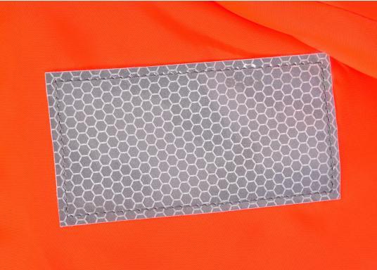 Gilet de sauvetage de qualité et confortable à porter. Fabriqué aux standards CE. Disponible en plusieurs tailles en fonction du poids de l'utilisateur. (Image 5 de 9)