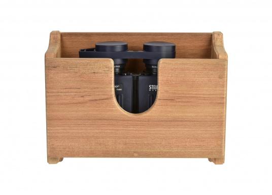Großer Fernglashalter aus Teak für Fernglastyp 7x50 und 10x50. Abmessungen: 25 x 10 x 20 cm.Das tropische Hartholz Teaktrotzt jeder Witterung und überdauert Generationen ohne den Bedarf an großer Pflege.